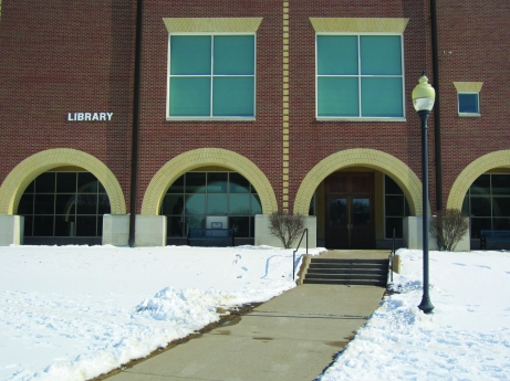 The SAU library offers resources for learning, school work and personal entertainment. Brittany Krenzelak/The Buzz.