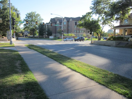 A strong armed robbery that took place close to campus on Sept. 19 has raised safety awareness. Kelly Steiner/The Buzz.